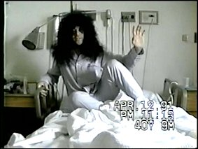 Kissology2-eastereggEricCarr.jpg (17442 Byte)